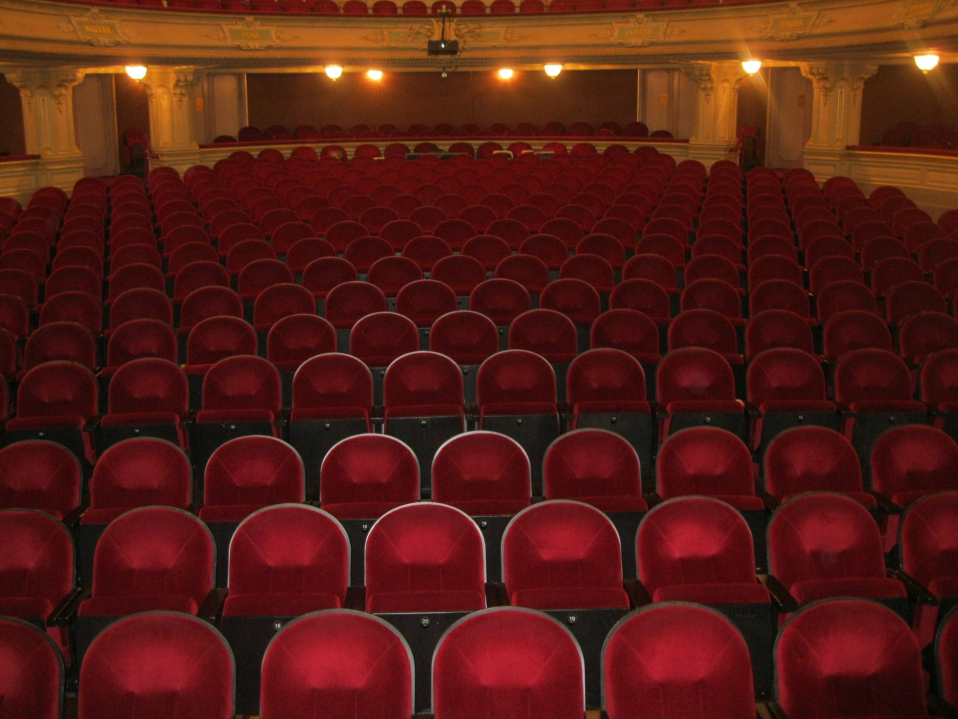 theater and cinema cleaning